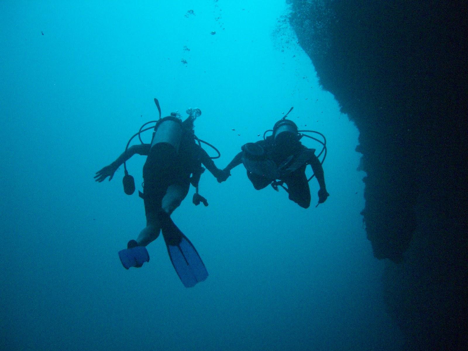 Scuba Diving The Blue Hole Belize